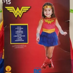 Girls DC Wonder Woman costume & Bucket